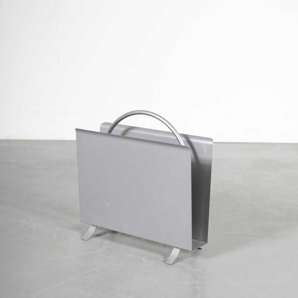m23788 2000s Re-edition magazine rack in chrome and metal (1930s) W.H. Gispen Gispen / Netherlands