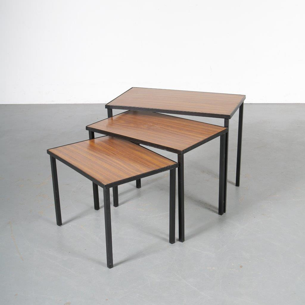m23741 1950s Set of 3 nesting tables on black metal base with reversible top in formica wood print / white Netherlands
