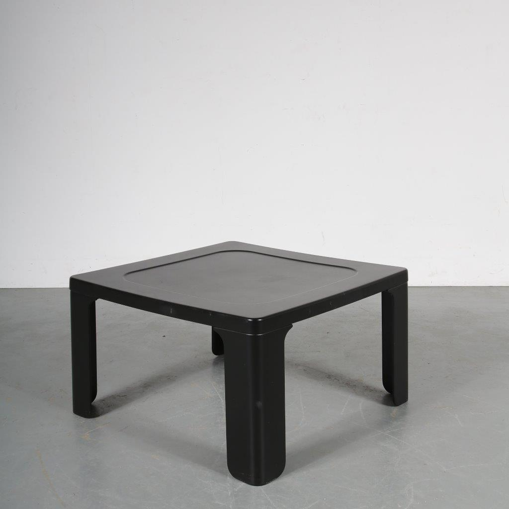 m23562 1970s Black plastic coffee table Dieter Rams Vitsoe / Germany