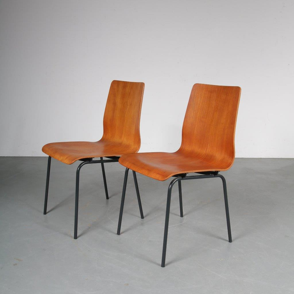 m23577 1950s Euroika chair, plywood with black metal frame Friso Kramer Auping / Netherlands