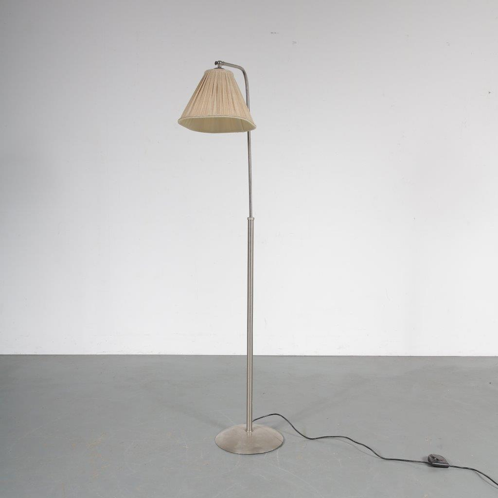 191010(274) L4362 1950s Rare adjustable floor lamp with fabric hood Gispen / Netherlands