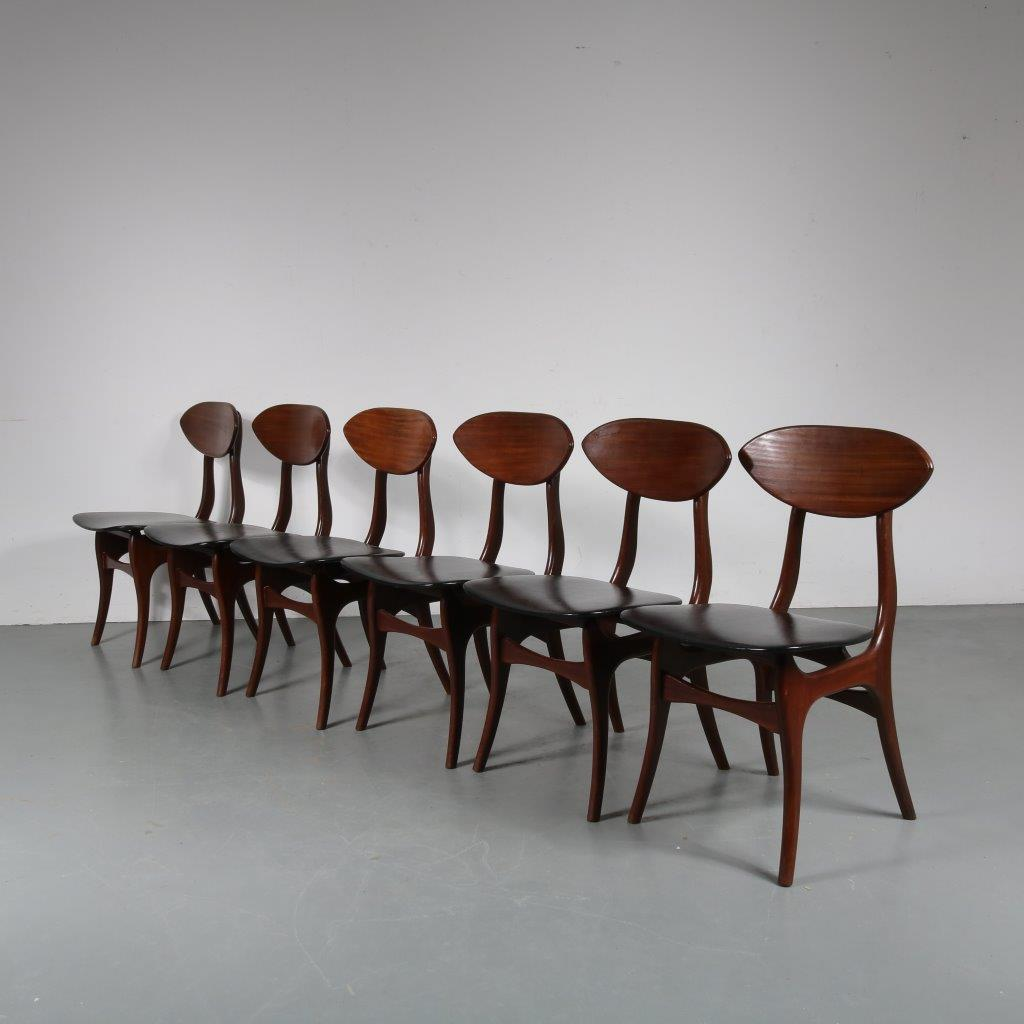 m23848 1950s Set of 6 teak dining chairs with black skai upholstery Louis van Teeffelen Awa / Netherlands