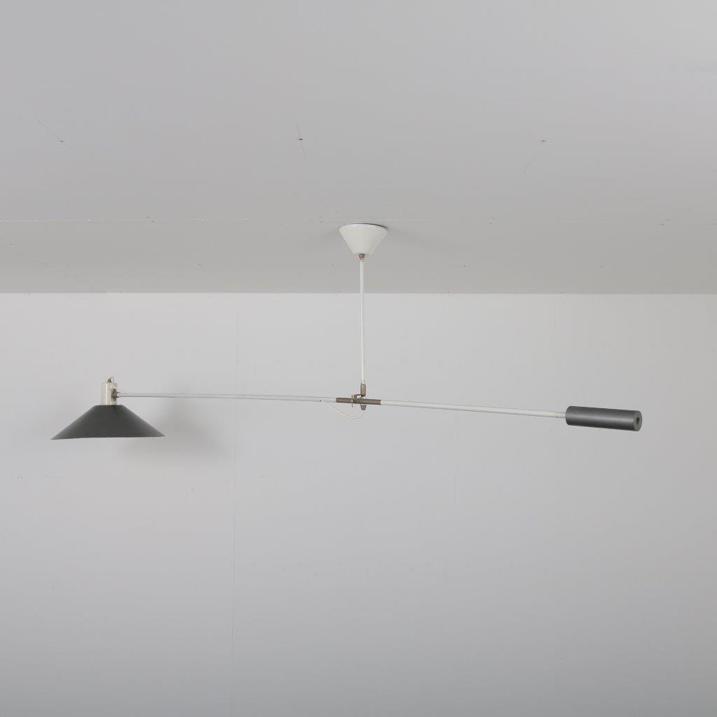 L4411 1950s Counter Balance hanging lamp in white with grey metal JJM Hoogervorst Anvia / Netherlands