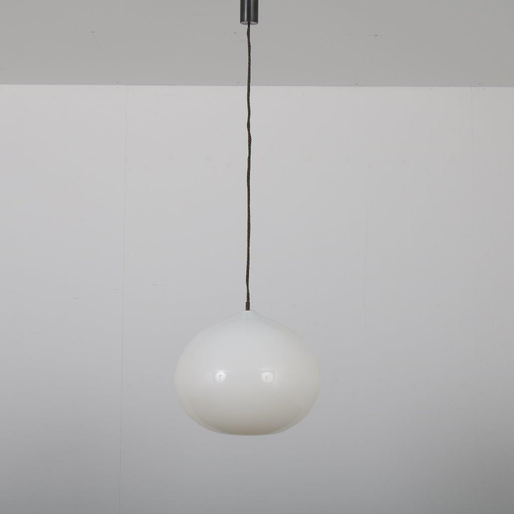 L4247 1960s White glass hanging lamp Alessandro Pianon Vistosi / Italy