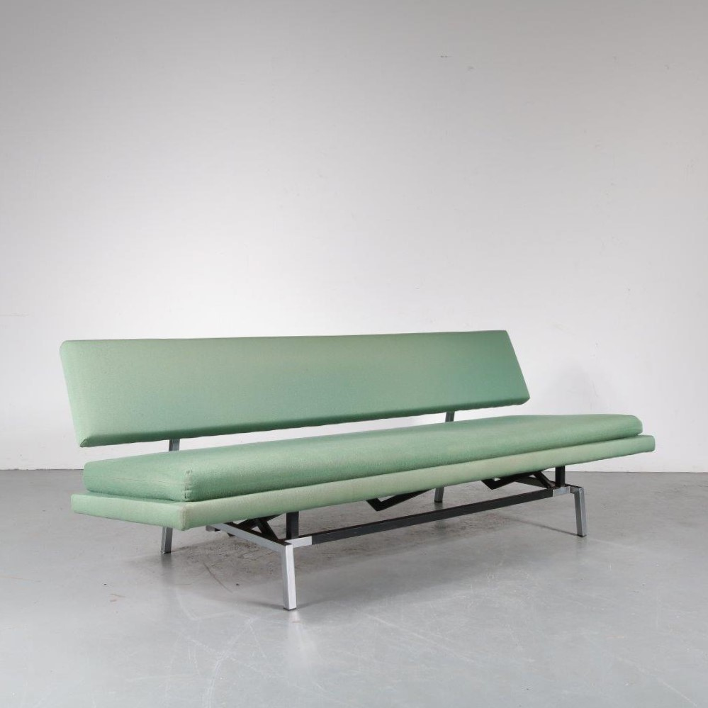 m23895 1960s BR54 3-Seater sofa / sleeping bench on chrome with black metal frame and seperate seat cushion and in original upholstery Martin Visser Spectrum / Netherlands