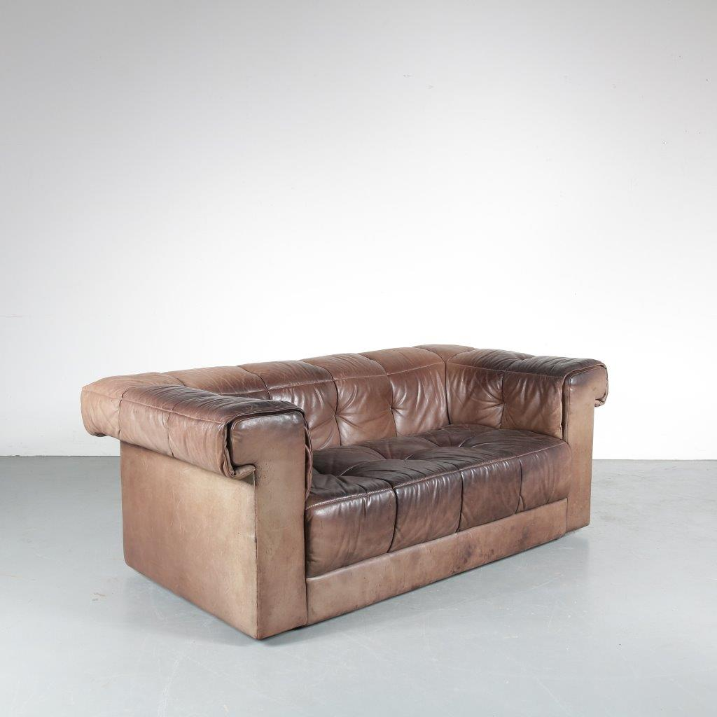 m23870 1970s Brown leather 2-seater sofa in the style of De Sede