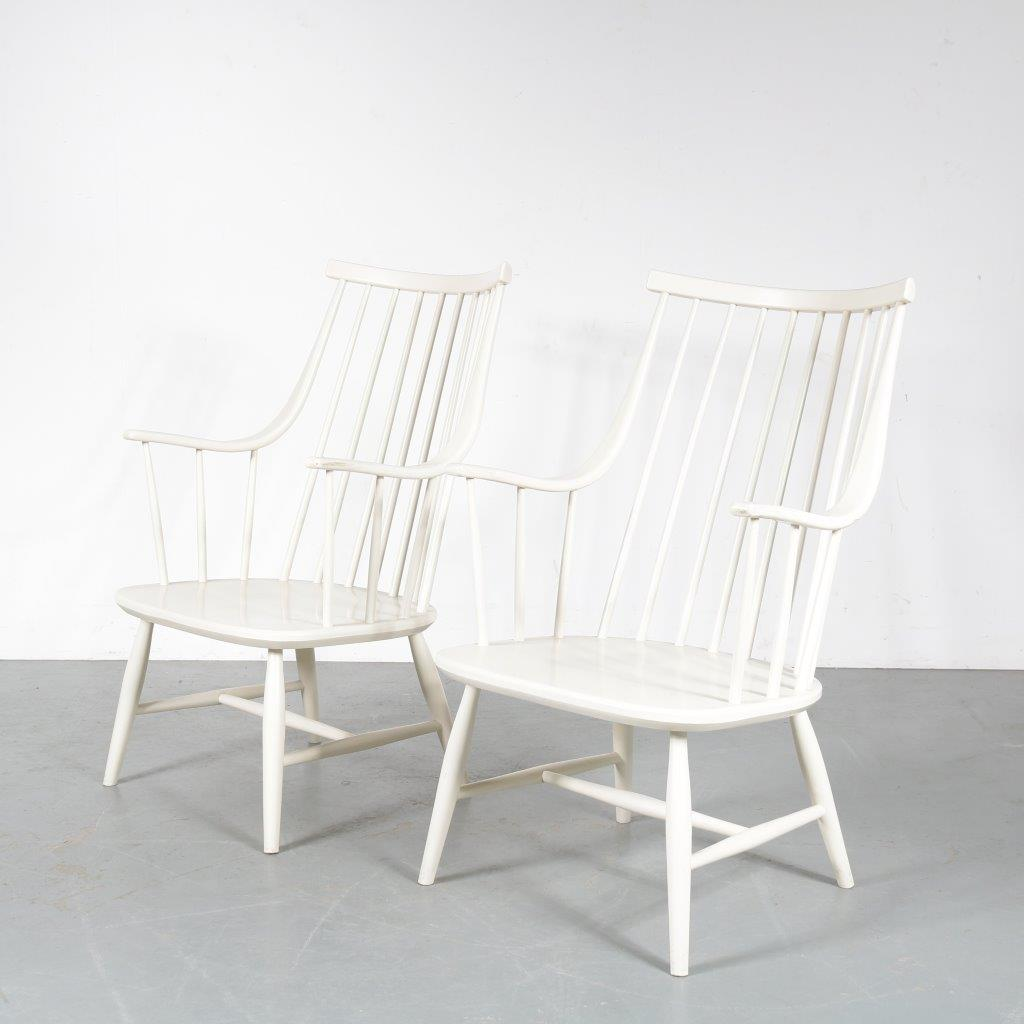m23482 1950s Nice pair of white wooden spokeback chairs Lena Larsen Nesto / Sweden