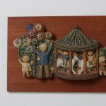 K3564 1950s Decorative wood with ceramics wall plate