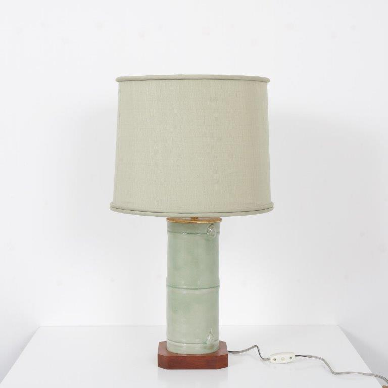 L4404 1970s Table lamp faux bamboo ceramics base with fabric hood United States