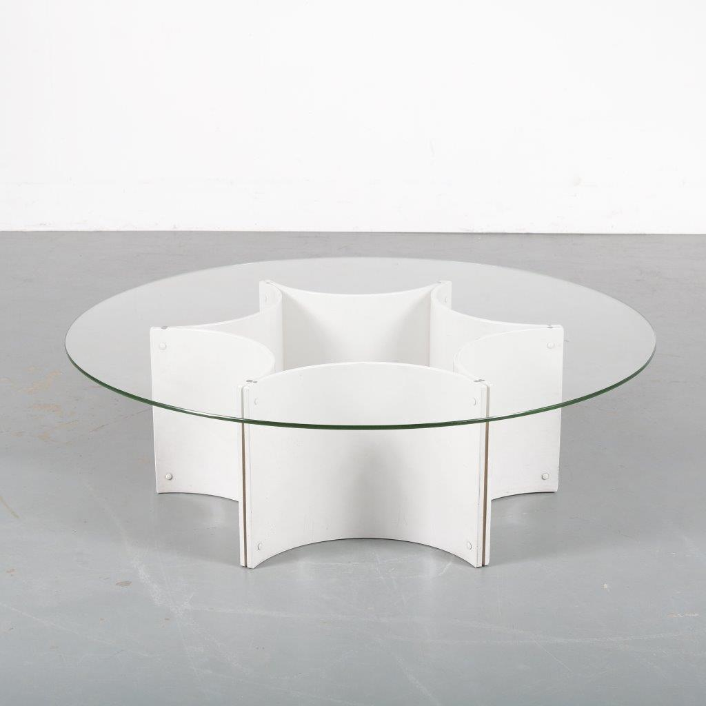 m23959 1970s Coffee table on white plastic base with round glass top in Paulin style