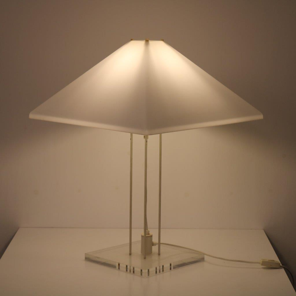 L4380 1970s Square table lamp with white plexiglass hood in Harco Loor style Netherlands