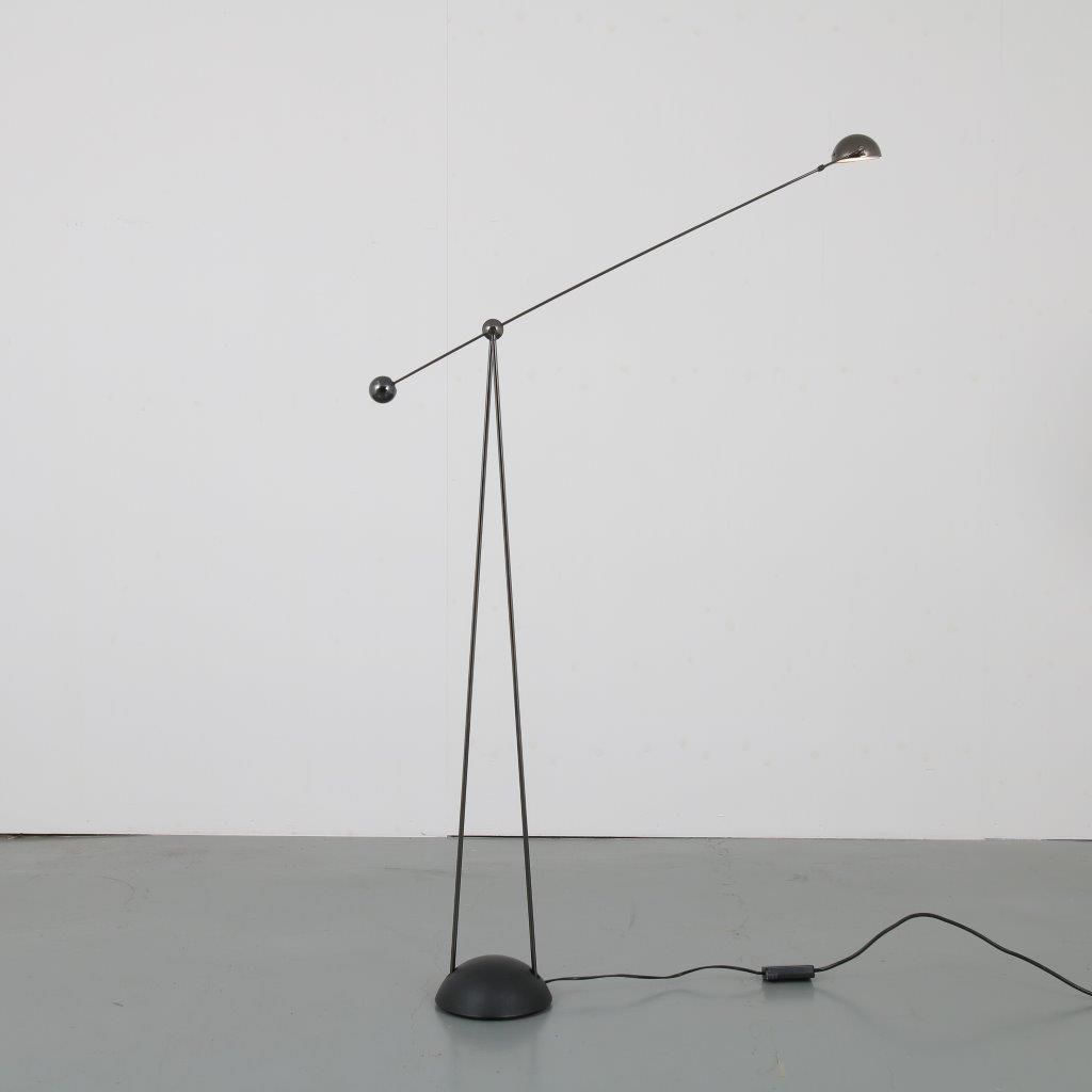 L4401 1980s Floor lamp model Yuki Paolo Piva Stephano Cevoli / Italy