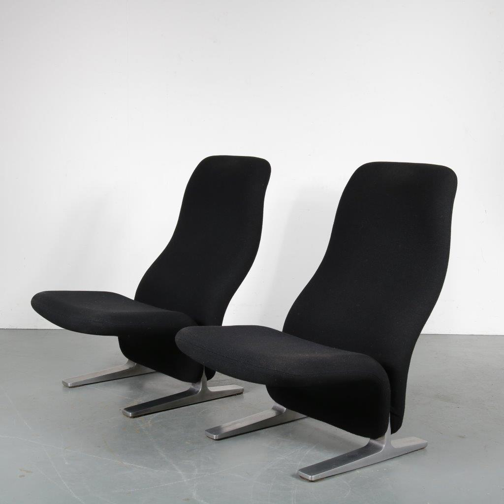 m24028 1970s Nice set of two highback Concorde easy chairs, aluminium with black wool Pierre Paulin Artifort / Netherlands
