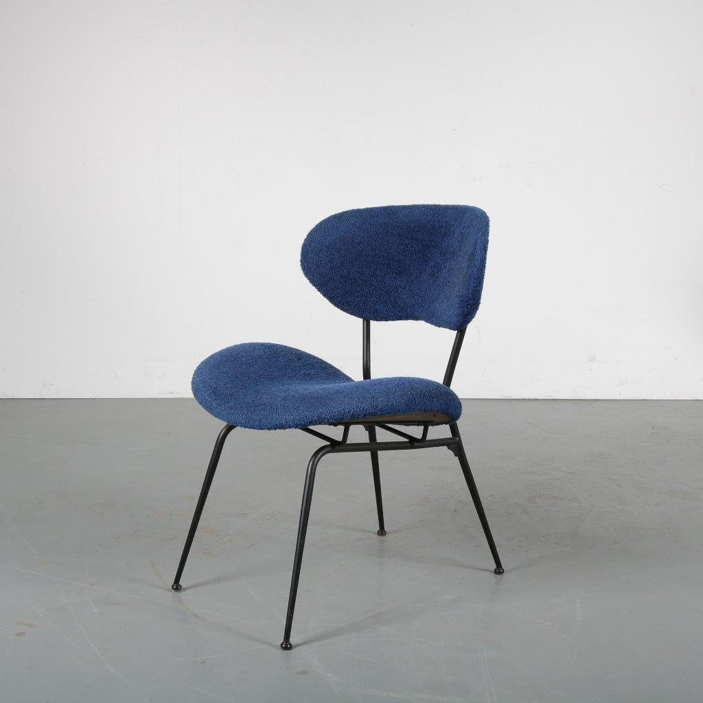 m23988 1950s Small easy chair on black metal base with blue upholstery Gastone Rinaldi RIMA / Italy