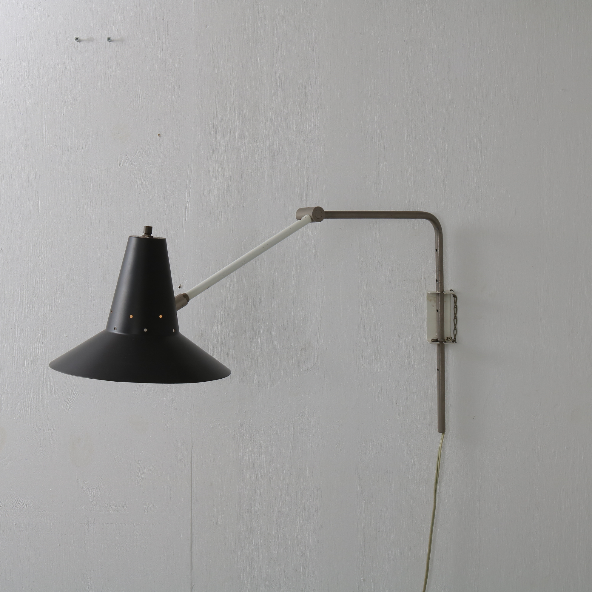 L4359 1950s Black with white metal elbow lamp Anvia / Netherlands