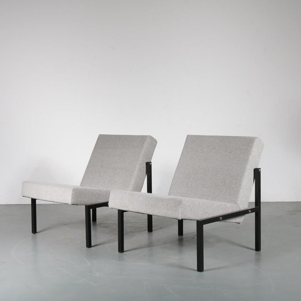m24183 Pair of easy chairs, black frame grey upholstery Martin Visser Spectrum / Netherlands