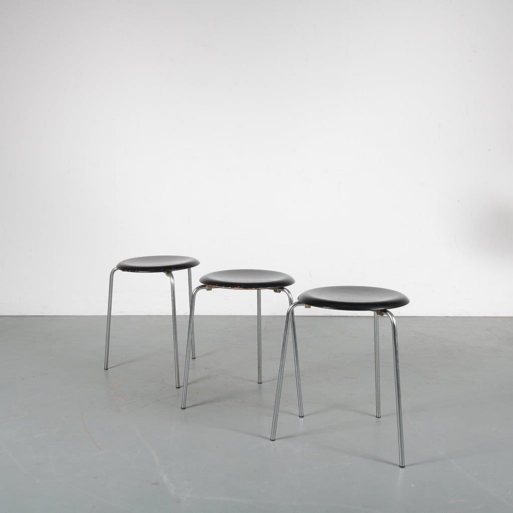 "m24008 1950s ""Dot"" stool, round wooden seat with metal tripod base Arne Jacobsen Fritz Hansen / Denmark"