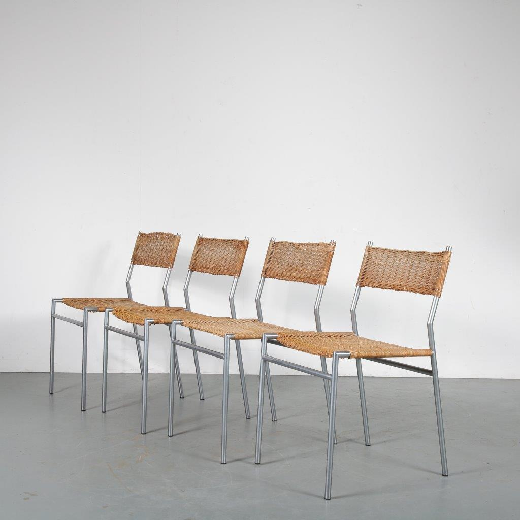 m23921 1960s Set of 4 dining chairs on chrome round metal base with wicker upholstery Martin Visser Spectrum / Netherlands