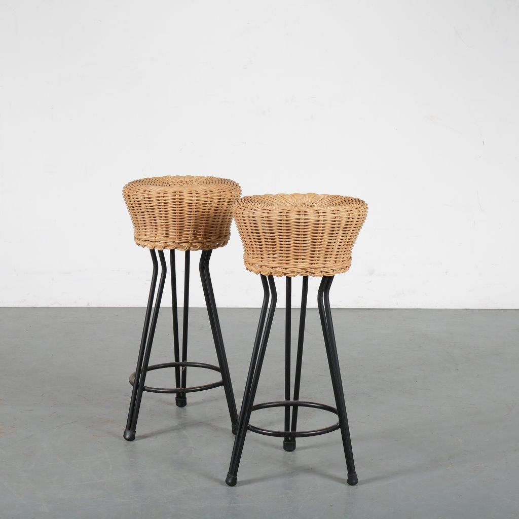 m24096-7 1950s Low wicker tripod stool with metal base Netherlands