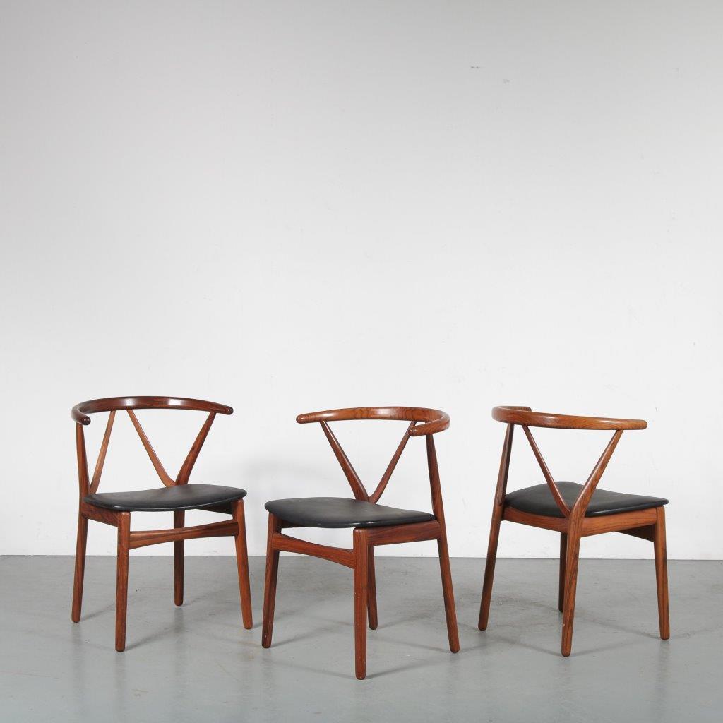 2003 3 (33) INC69 1960s Beautiful rosewooden dining / desk chair with black skai upholstery Kjaernulf Bruno Hansen / Denmark
