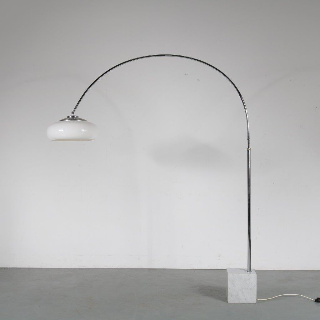 L4465 1970s Large arc lamp with marble base and perspex hood Guzzini Guzzini / Italy