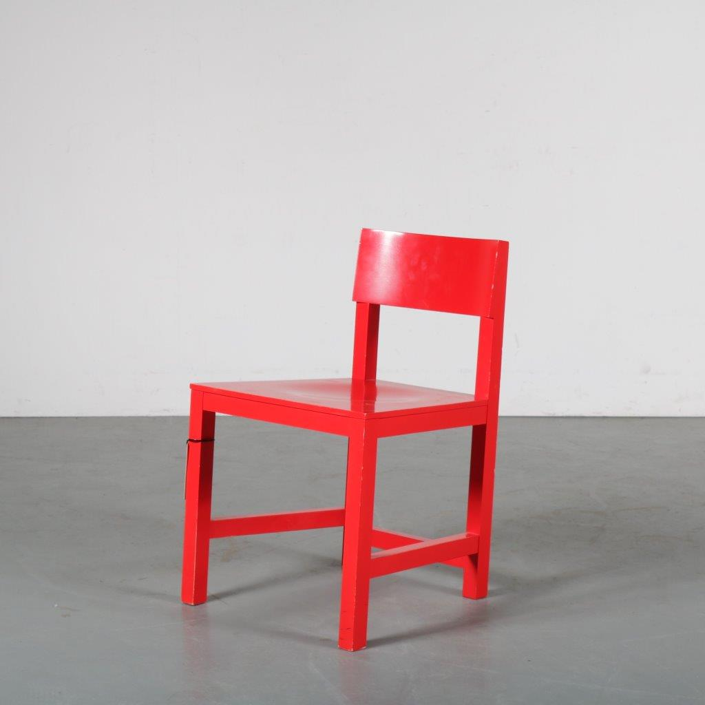 m24176 1990s Red wooden shaker chair Atelier van Lieshout Moooi / Netherlands