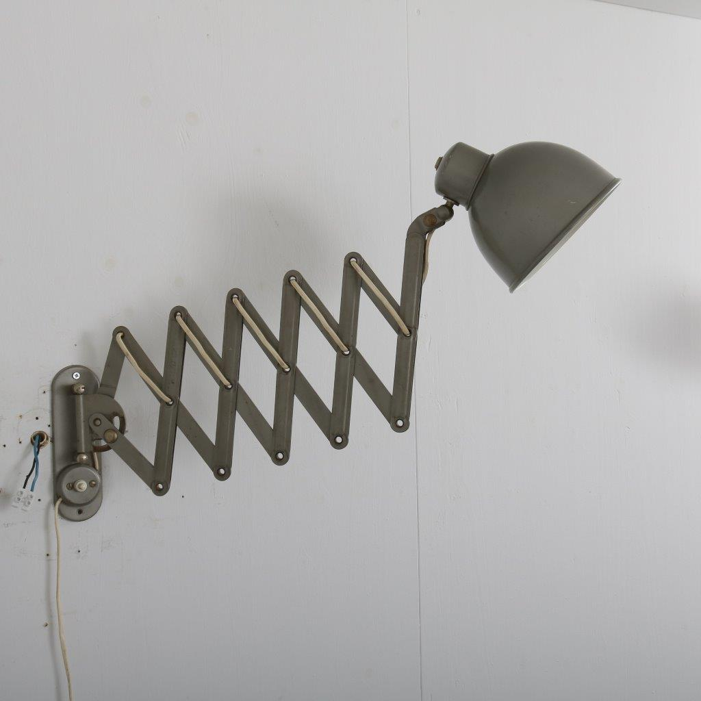 L4168 1950s Industrial style scissor wall mounted lamp in grey metal Germany