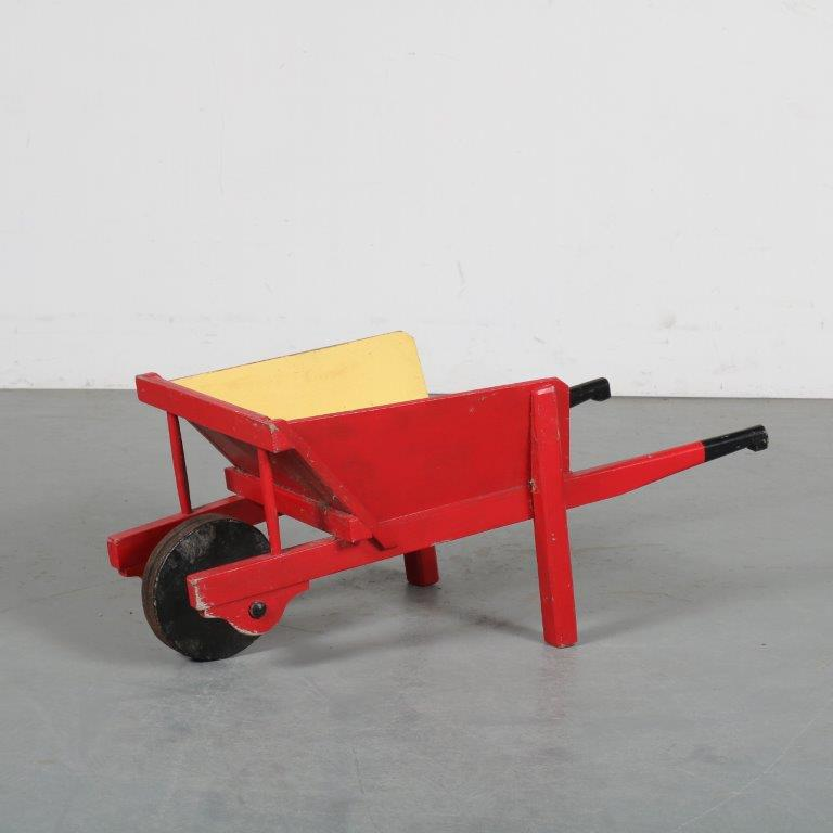 m23872 1930s Children wheelbarrow in the style of De Stijl Netherlands