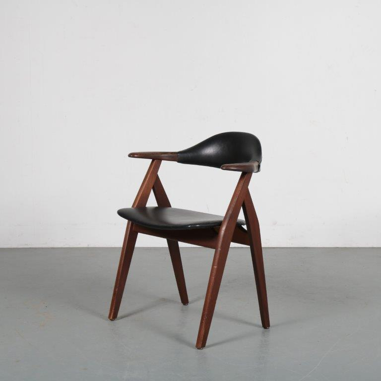 m21540 1950s Cowhorn style dining chair in teak with black skai uphosltery, Netherlands