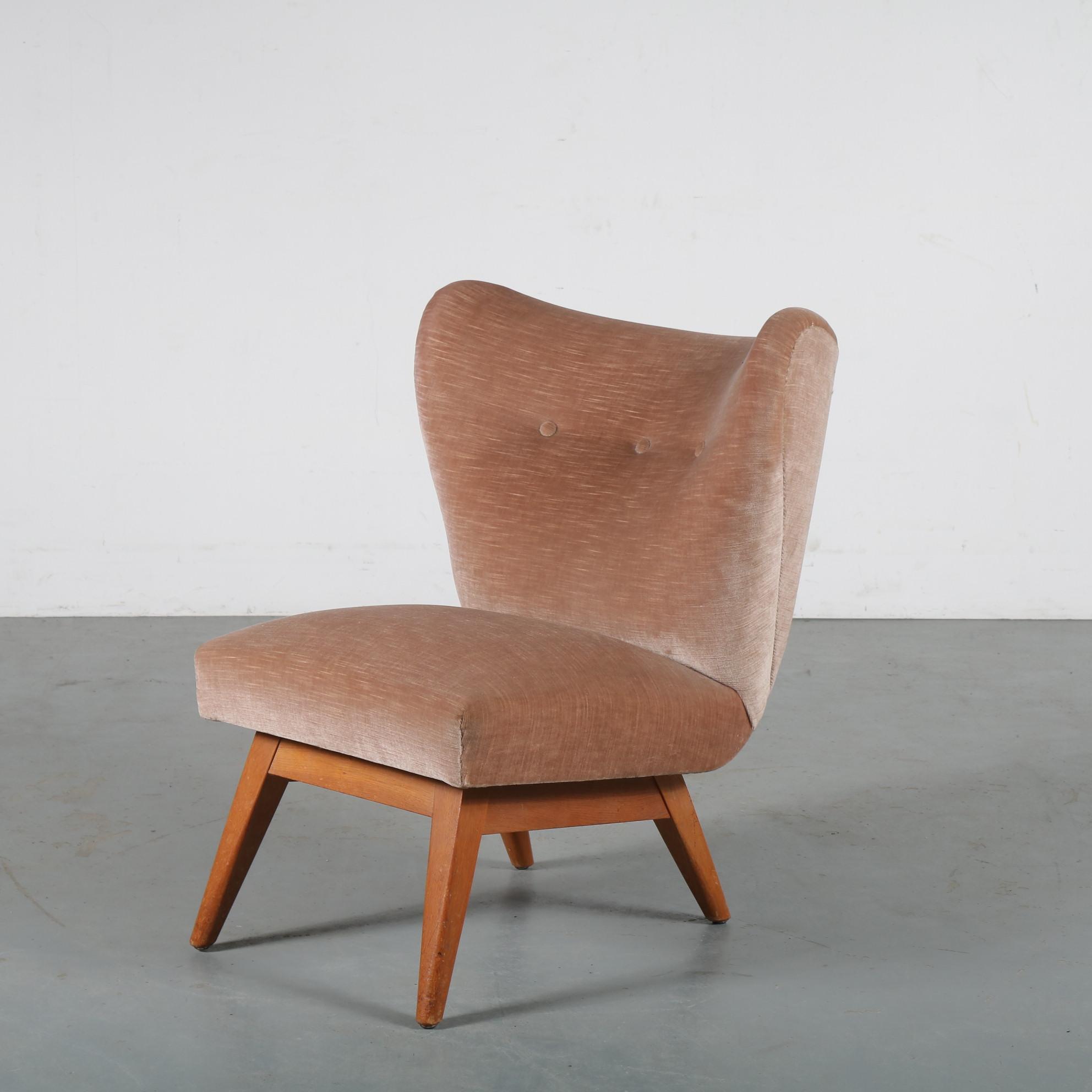 m24213 1950s Lovely styled cocktail chair in pink velvet on birch base