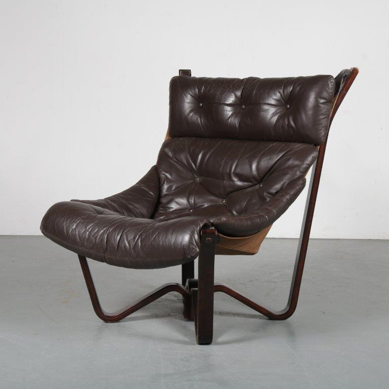 m23835 1970s Viking chair on brown wooden base with brown leather cushions Jim Myrstad Brunstad Møbelfabrikk / Norway