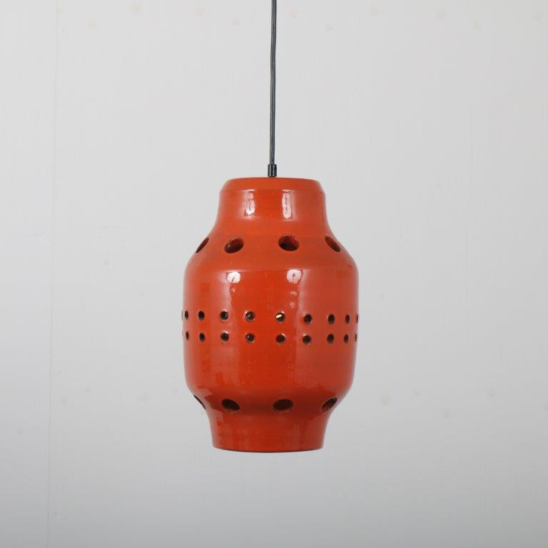 L4503 1960s ceramic orange hanging lamp Netherlands