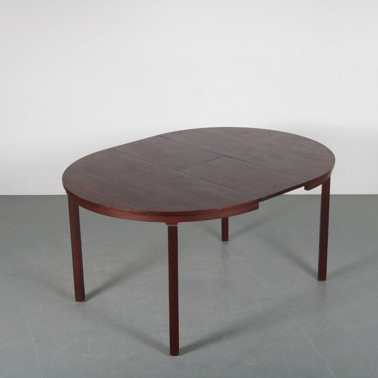 m24205 1960s Round indo-rosewooden extendible dining table with chrome details Fristho / Netherlands
