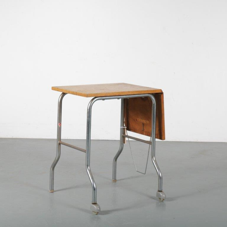 m24370 1950s small Bauhaus style typewriter desk chrome pipe frame with wooden top Hag / Norway