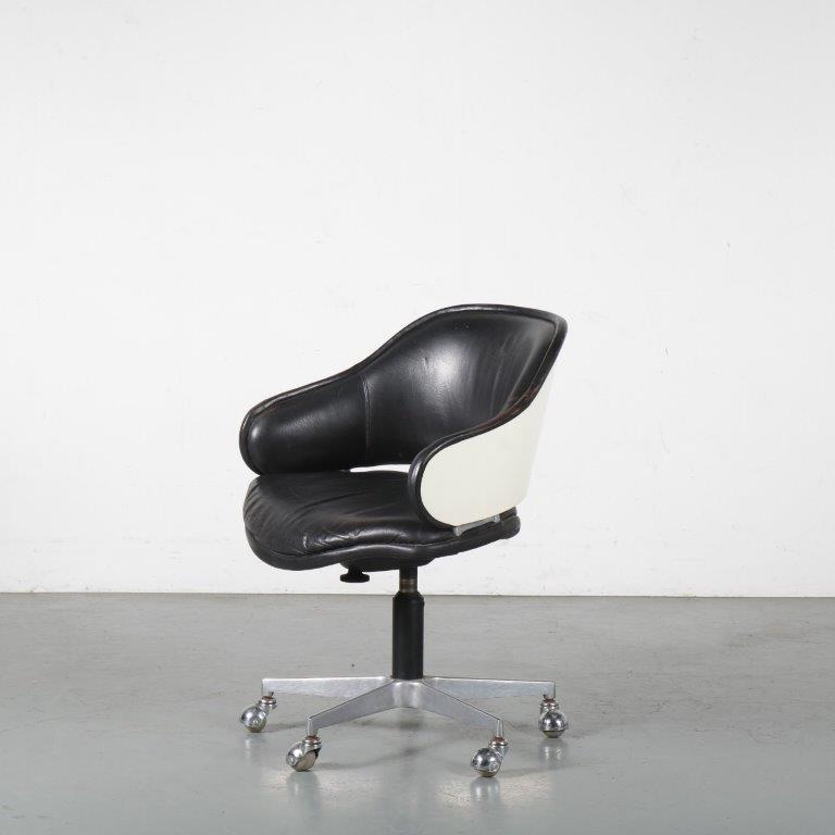 20053 m24367 1960s swivel desk chair on cross base with black leather upholstrery G. Harcourt Artifort NL