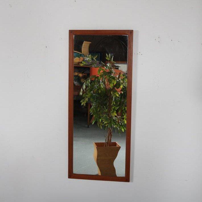 m24411 1960s beatiful teak wall mounted mirror Aksel Kjersgaard Odder furniture factory / Denmark