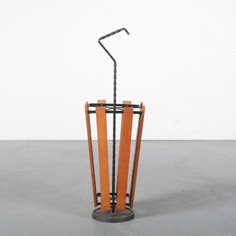 m24421 1960s umbrella stand cast iron base with teak slats NL
