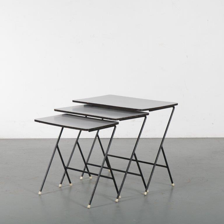 m24467 1950s Set of 3 nesting tables on black metal base with grey laminated tops Tjerk Reyenga Pilastro / Netherlands
