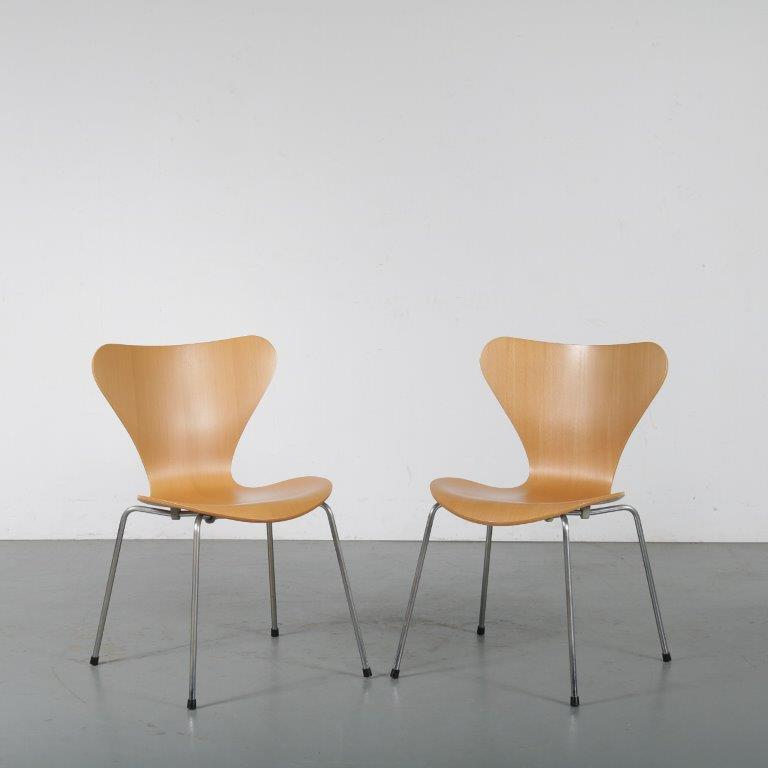 m24491-3 1980s Beech butterfly chair by Arne Jacobsen for Fritz Hansen, Denmark