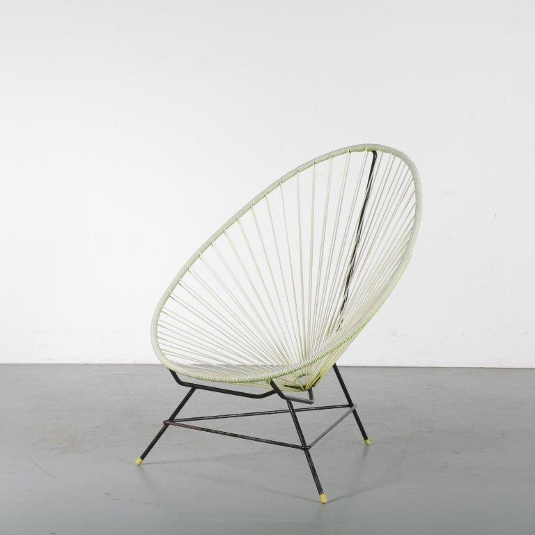 """m24489-90 1950s """"Acapulco"""" garden chair in yellow wire metal Mexico"""