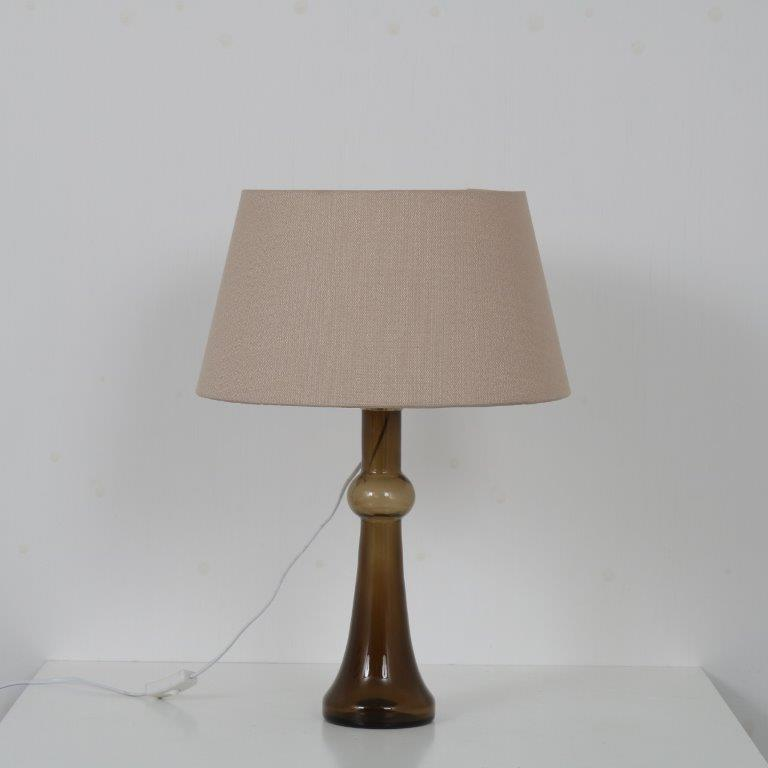 L4579 1960s Table lamp in glass with brass base and fabric hood Nanni Still Raak / Netherlands