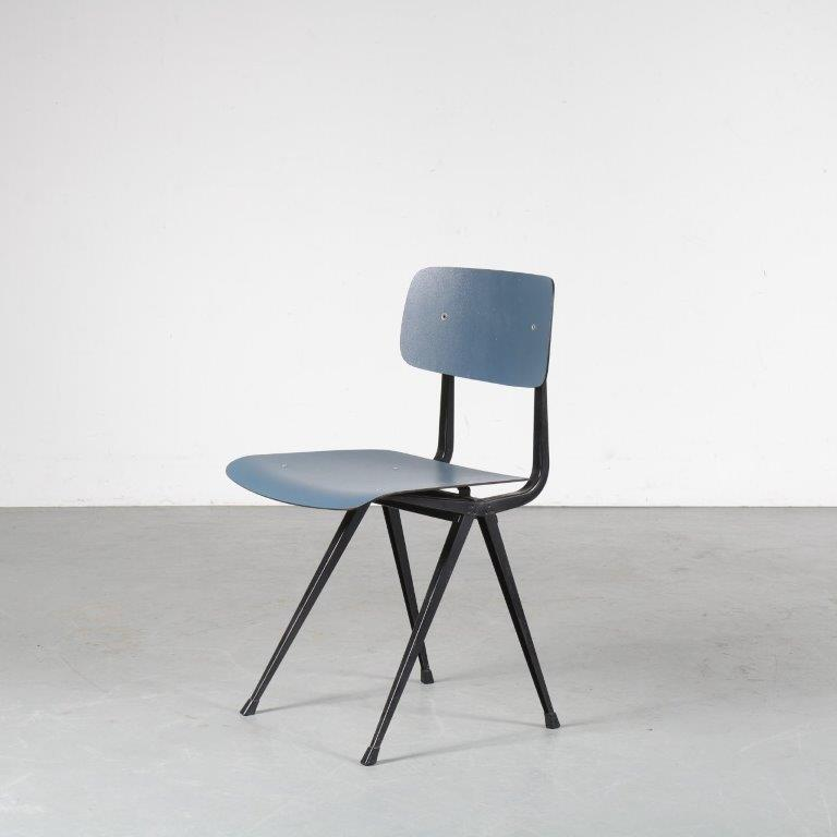 m24821 1950s Result chair on black metal base with blue seat and backrest Friso Kramer Ahrend de Cirkel Netherlands