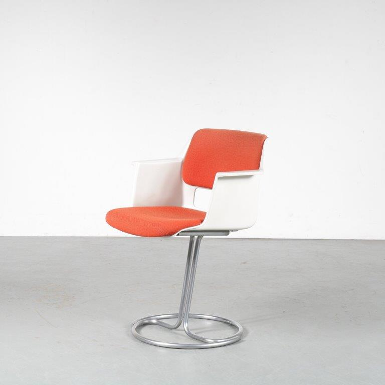 m24707 1970s rare edition desk / side chair chrome metal base with white plastic shell Cordemeijer Gispen/NL