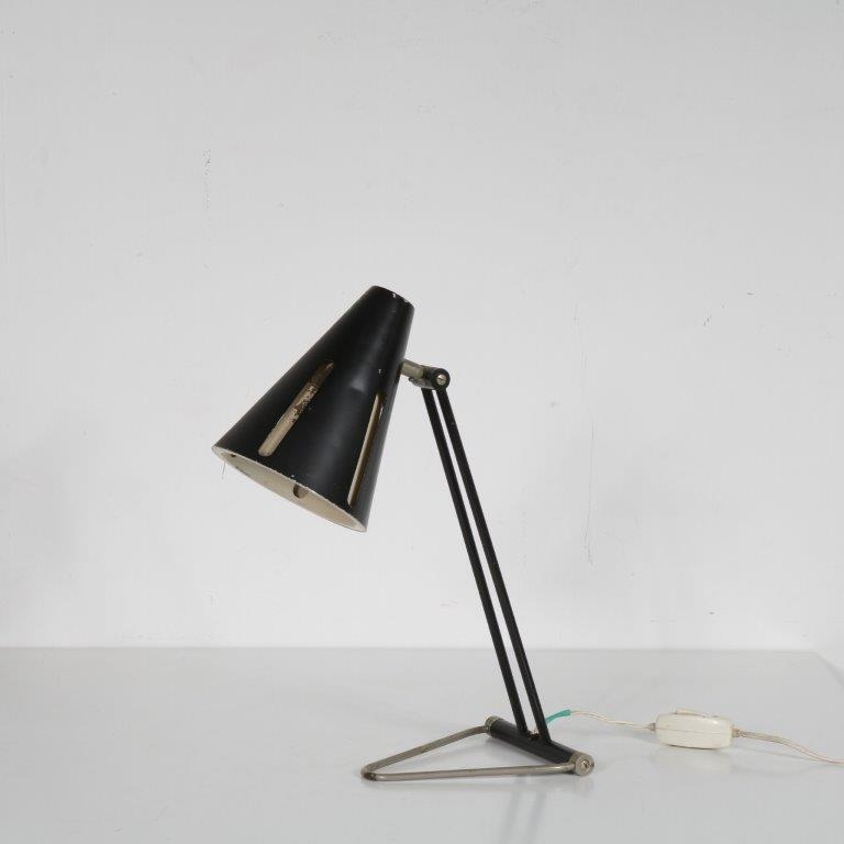 L4618 1950s Desk lamp on chrome with black metal base and hood, Sun Series model 1 H. Busquet Hala Netherlands