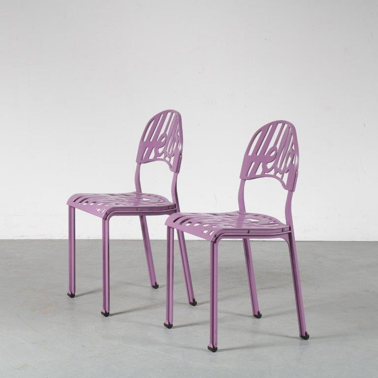 m24882-3 1960s Hello chair in light purple Jeremy Harvey Artifort Netherlands