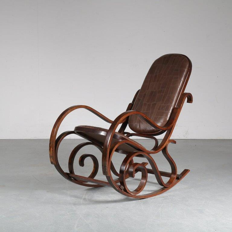 m24078 1970s Plywood with patchwork leather seat and back rocking chair Luigi Crassevig Crassevig Italy