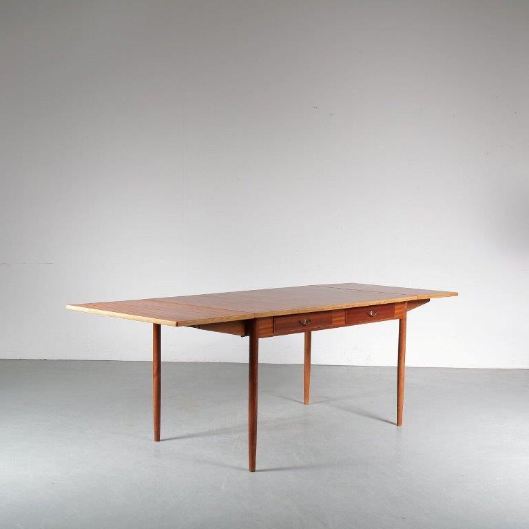 m24870 1950s Desk with drop down leaves Nils Jonsson Troeds Sweden