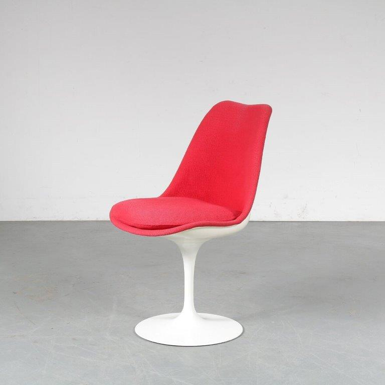 m24951 1970s Tulip chair with red fabric upholstery on pedestal base Eero Saarinen Knoll Int. USA