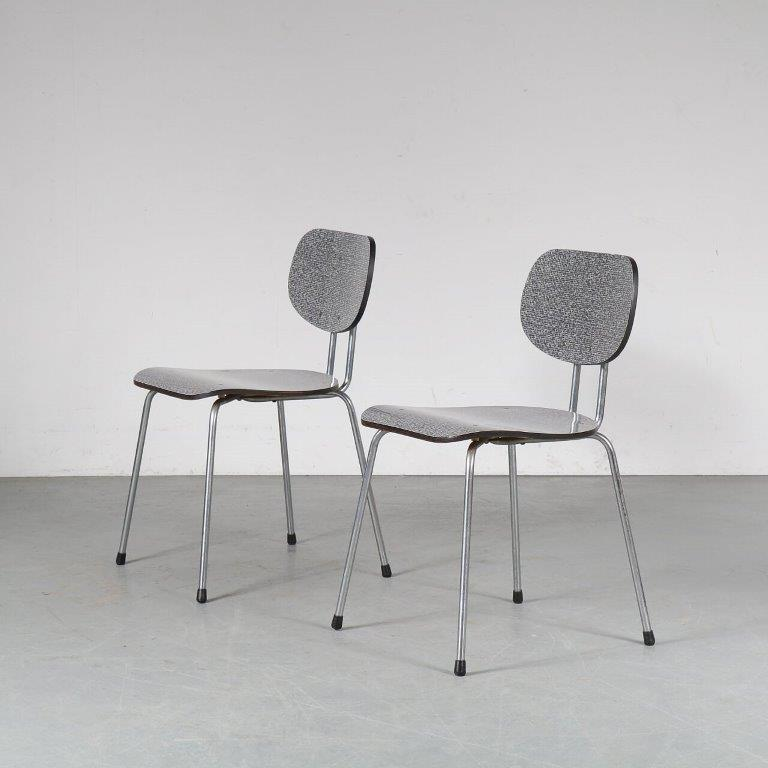 m24949 1950s Set of 2 dining chairs model CT2, chrome metal base with greyblack formica seat and back Willy vd Meeren Tubax Belgium