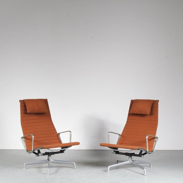 m24998 1960s Pair of lounge chairs, aluminium frame with brown hopsack upholstery model EA124 Eames Herman Miller USA